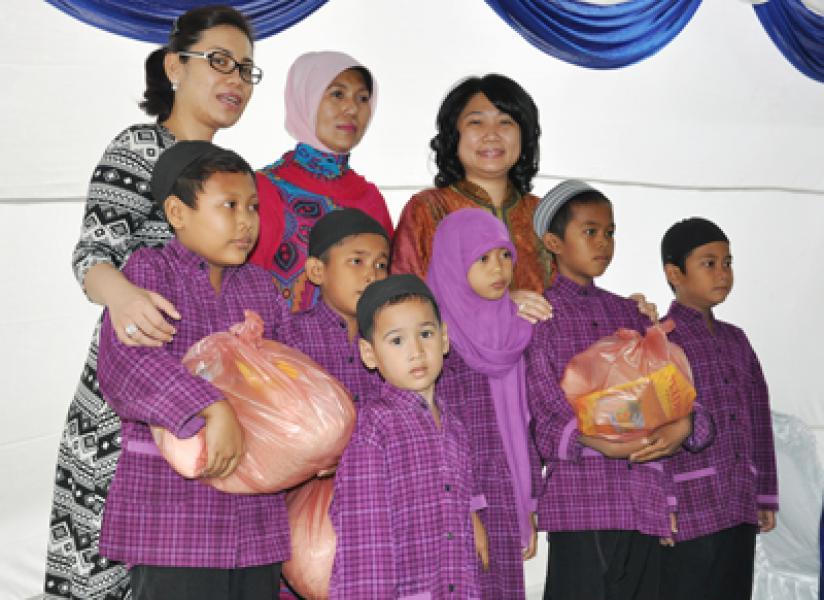 Kaukus Perempuan DPRD Medan Santuni Anak Yatim