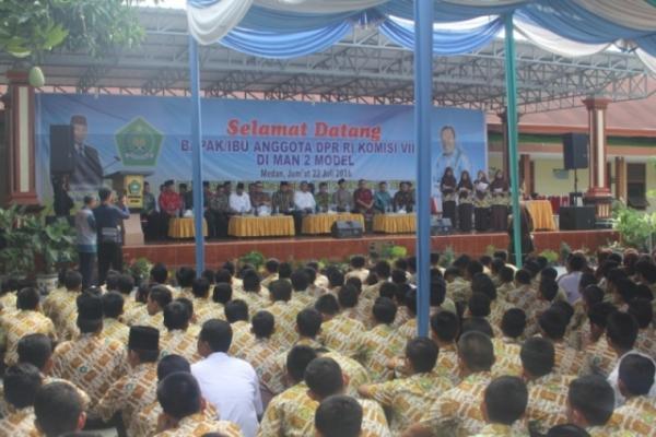 Anggota Komisi VIII DPR RI Kunker ke MAN 2 Medan