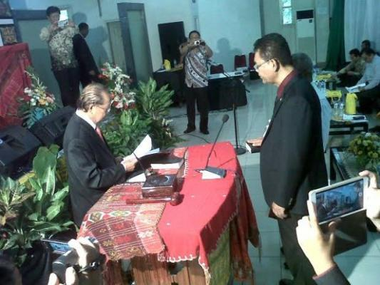 Dr Frietz R Tambunan Resmi Dilantik Jadi Rektor Unika