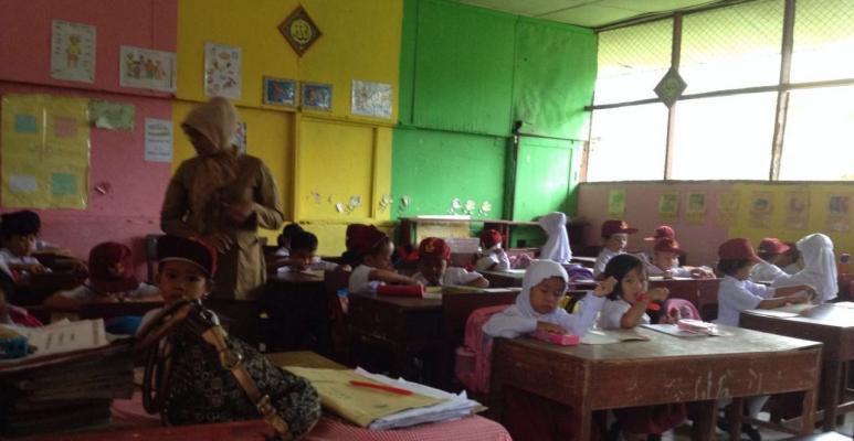 Hujan Deras Sambut Hari Pertama Sekolah di Langkat