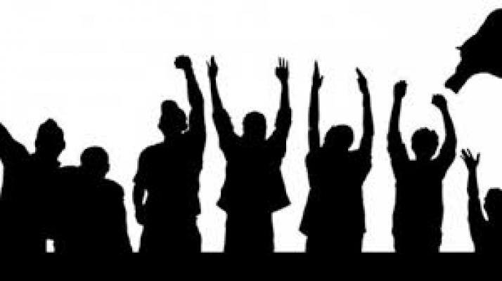 Seratusan Karyawan Alfamart Datangi Kantor Gubernur Sumut