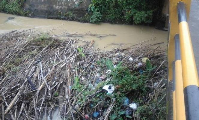 Sungai Mencirim Dipenuhi Sampah
