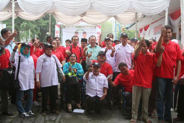 Penyandang Disabilitas Geruduk Posko BENAR, Yang Tahu Memimpin Medan Hanya Orang Medan