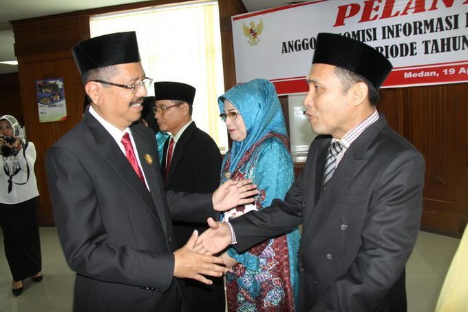 Gubernur Sumut Lantik Komisi Informasi Periode 2016-2020
