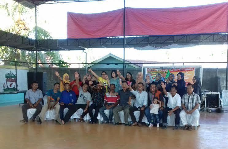 Alumni Tahun 1997 SMU 1 Tanjung Pura, Langkat, Foto Bersama di Acara Reuni Perak