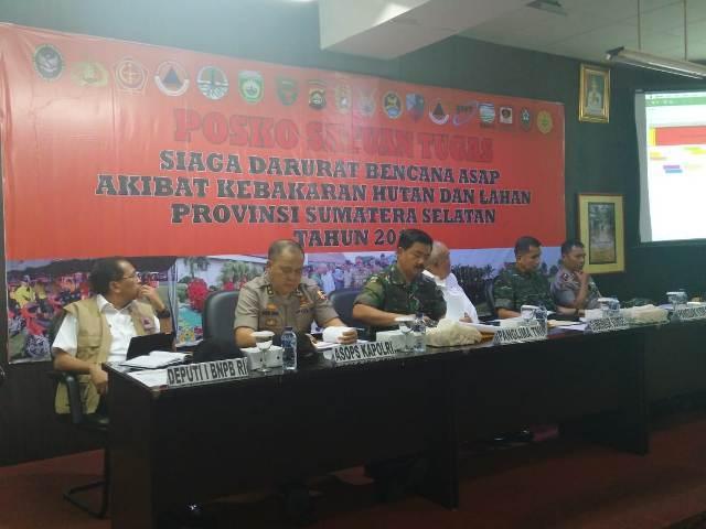 Panglima TNI Tinjau Posko Satgas Bencana Asap di Palembang