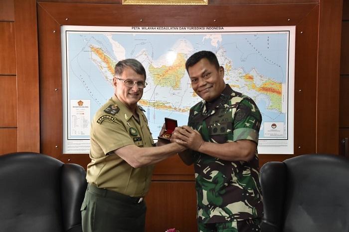 Kasum TNI Terima Kunjungan Kehormatan Kasad Brasil
