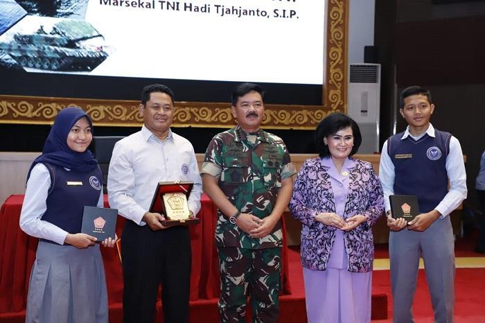Panglima TNI Berikan Pembekalan kepada Siswa/I SMA Pradita Dirgantara