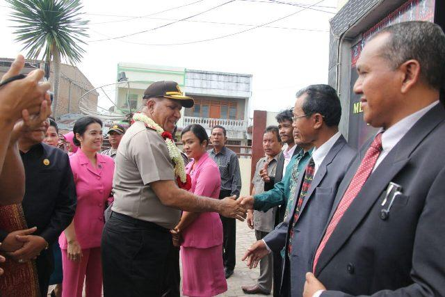 Kapoldasu Disambut Jajar Hormat Saat Kunjungan ke Polres Samosir